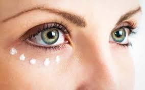روش استفاده از کرم دور چشم
